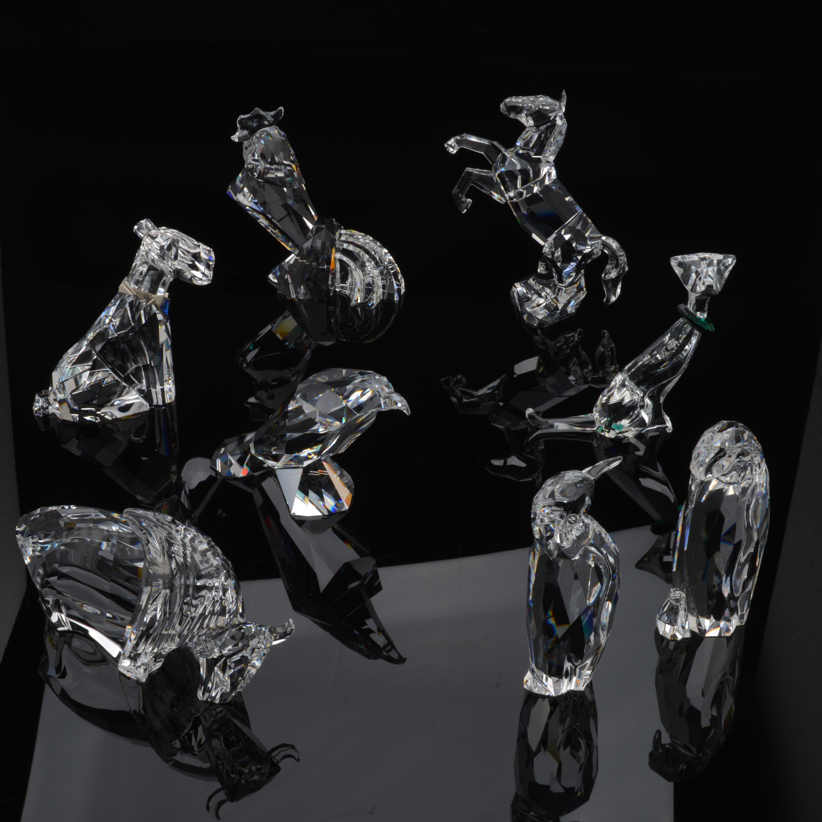 Beautiful crystal figurines, fast delivery